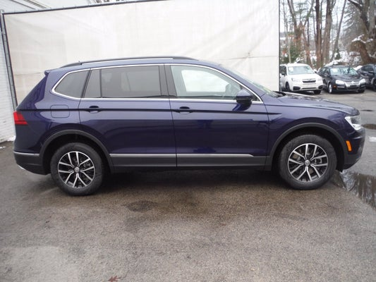 2021 Volkswagen Tiguan SE w/panoramic sunroof and 3rd row ...